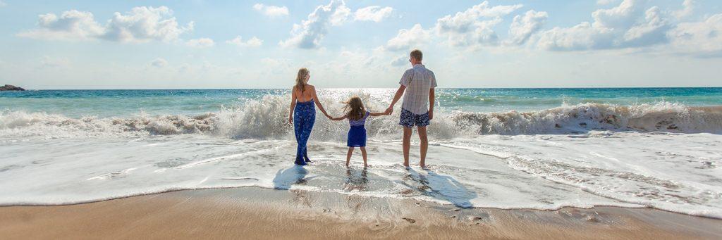 travel family image